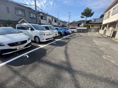 【駐車場】平井ハイツ (株)Roots