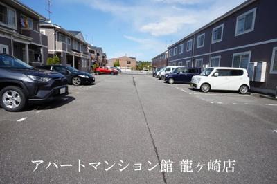 【駐車場】アルカディア