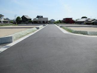5号地の北側接道状況(西側から撮影)
