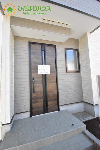 【玄関】見沼区東大宮 第3 新築一戸建て ファーストタウン 01