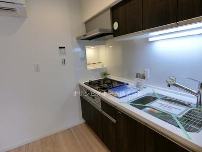 【キッチン】ニュー松が谷マンション 5階 リ ノベーション済 エアコン 家具付