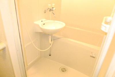 浴室乾燥機付きなので、雨の日も楽々洗濯