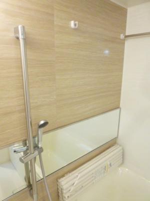 【浴室】プレジオ新大阪ルージュ