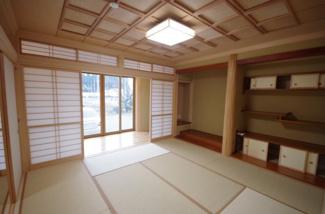 和室、続き間になっています