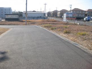 分譲地内東側6m公道
