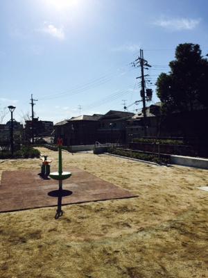「富士遊園」ブリリアシティ北側出口直結の公園です。
