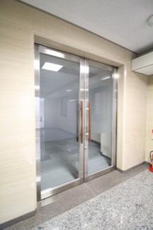 【玄関】共栄ビルディング