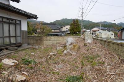 【庭】苫田郡鏡野町上斎原 中古住宅3K