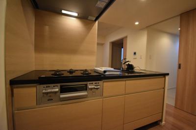 こちらのお部屋の自慢のキッチンです。