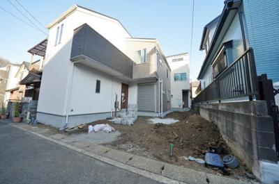 【外観】リビング階段や対面式キッチンなどファミリーにおすすめの間取り♪保土ヶ谷区川島町新築戸建て