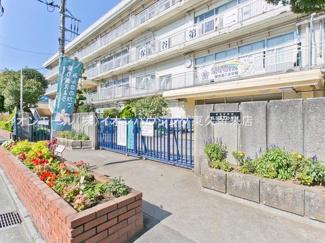 西東京市立保谷第二小学校(約981m)