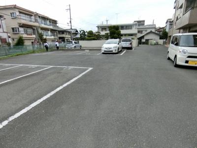 【駐車場】ジェントリーズ岡田