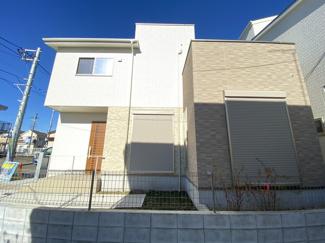 新京成線「滝不動」駅徒歩13分の全2棟の新築一戸建てです。