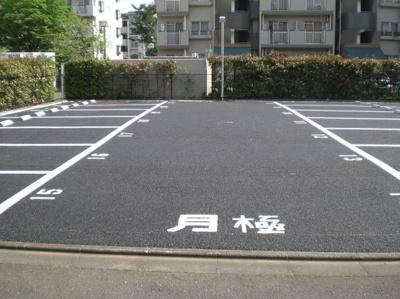 【駐車場】大塚チェリーハイツエイト (株)Roots