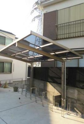 屋根付きの駐輪場