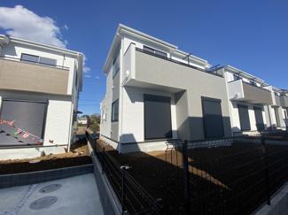 きれいな街並みの大型開発分譲住宅全22棟の新築一戸建てです。