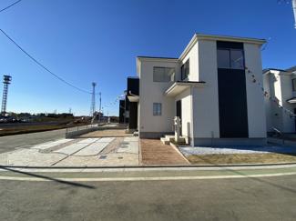 建物は全棟南向きでしかも敷地が広いので陽当り良好です。