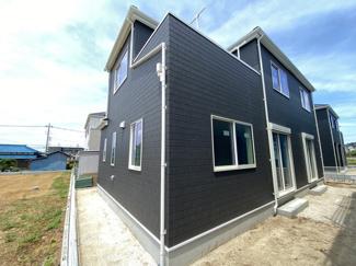 新京成線「滝不動」駅徒歩20分「三咲」駅徒歩22分の全5棟の新築一戸建てです。