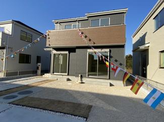 敷地面積は約46.9坪から約57坪と広く全棟駐車スペースは全棟2台可能です。
