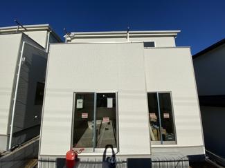 東武野田線「馬込沢」駅徒歩22分の全2棟の新築一戸建てです。