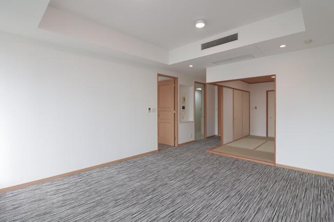 【居間・リビング】OAPレジデンスタワー西館 505号室