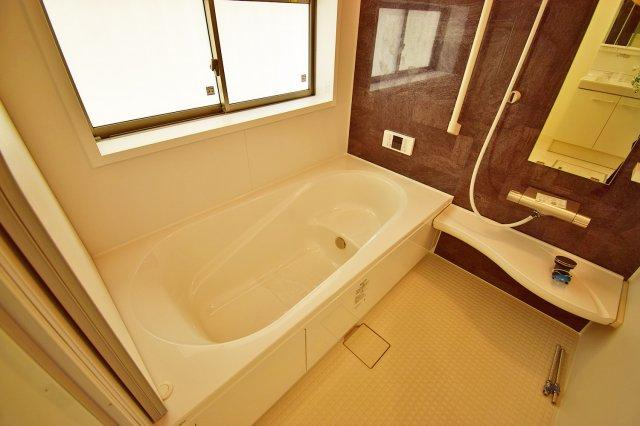 【バスルーム】浴室乾燥や、追い炊き機能を備えます!