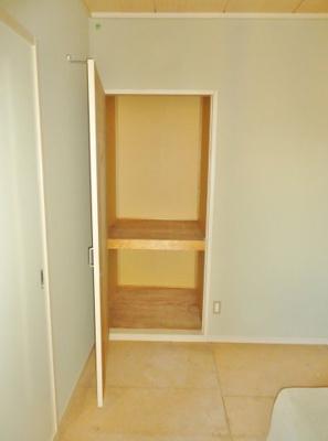 和室6帖収納スペース(写真は反転・イメージです)