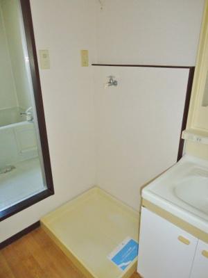 室内洗濯機置場(写真は反転・イメージです)