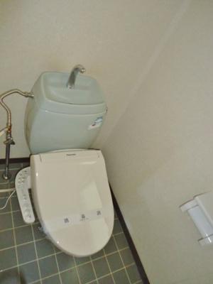 温水洗浄便座(写真は反転・イメージです)