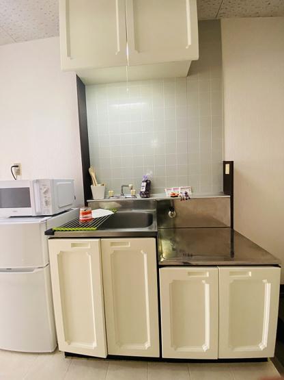 ガスコンロ設置可能のキッチンです☆ご自身でお好きなタイプのガスコンロをご用意いただけます!お鍋やお皿もすっきり収納できてお料理がはかどります!