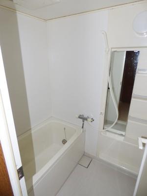 【浴室】カネキビル