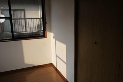 【洋室】臼井貸家