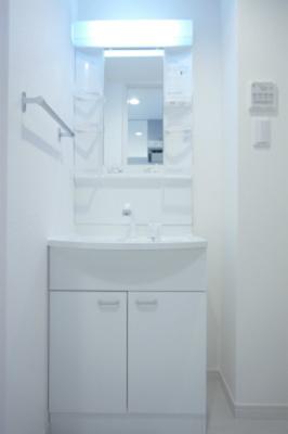 リブリ・サウザンブライトの独立洗面台