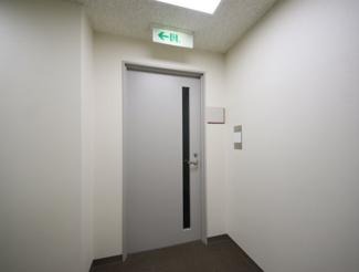 【玄関】神戸旧居留地平和ビル