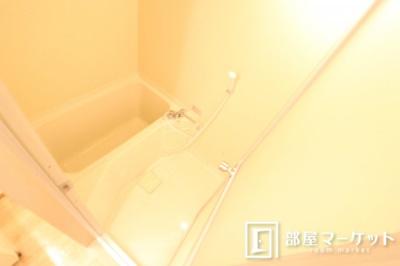 【浴室】サープラスワン吉田