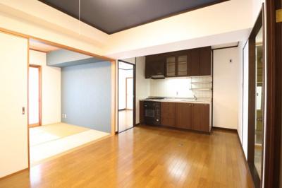 【居間・リビング】ライオンズマンション泊第8