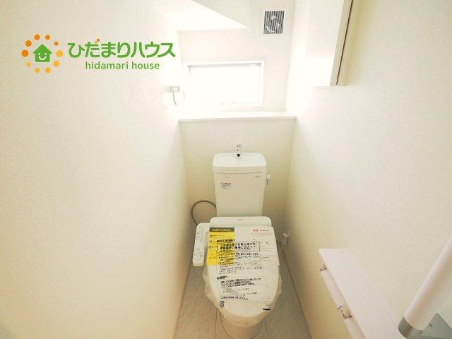 1・2階にトイレあり。階段を降りなくてもいいので、高齢者の方も優しい☆彡
