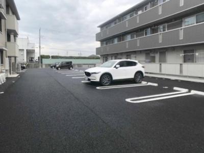 【駐車場】リヴェールマリーズE
