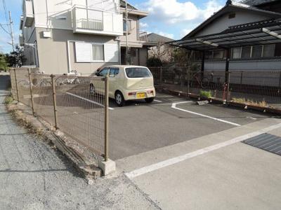 【駐車場】中本ハイツ