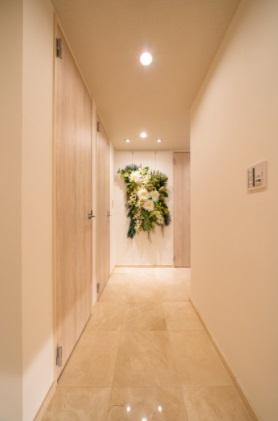 クレストプライムタワー芝:高級感溢れる大理石貼りの玄関・廊下です!