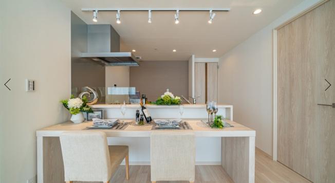 クレストプライムタワー芝:食洗機やディスポーザーが付いた対面式システムキッチン!カウンターに椅子を並べればテーブルとしても利用可能です!