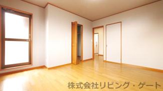 2階8.3帖洋室