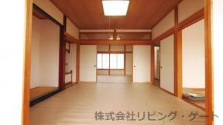 1階和室8帖+8帖の大空間