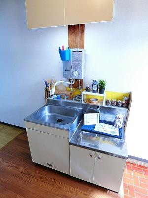 ガスコンロ設置可能のキッチンです☆ご自身でお好きなガスコンロをご用意いただけます!場所を取るお鍋やお皿もすっきり収納できます♪