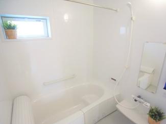 ジブンハウス仕様 オートバス&足を伸ばせる浴槽で1日の疲れを快適にリフレッシュ。雨の日のお洗濯に威力を発揮する「浴室換気乾燥機」完備。