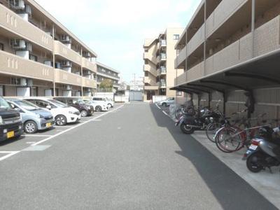 【駐車場】グランデルナ