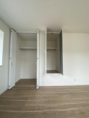 3階 東側洋室8.8帖 収納