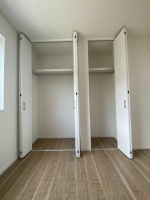 3階 洋室6.1帖 収納