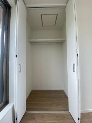 3階 西側洋室6帖 収納
