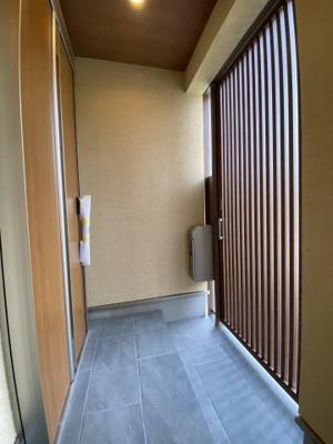 玄関二重扉